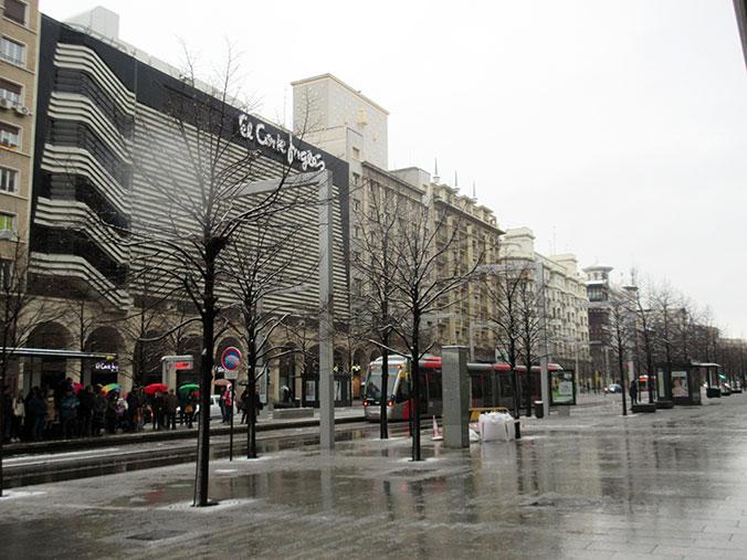 Paseo Independencia y tranvía Zaragoza con nieve - febrero 2018