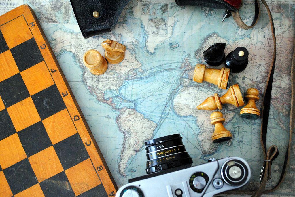 Ganar o perder - Tablero y figuras de ajedrez