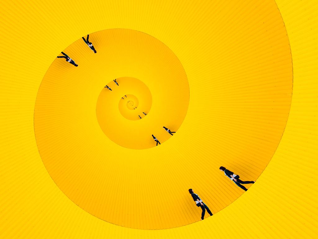Diario de confinamiento - Personas andando en círculos